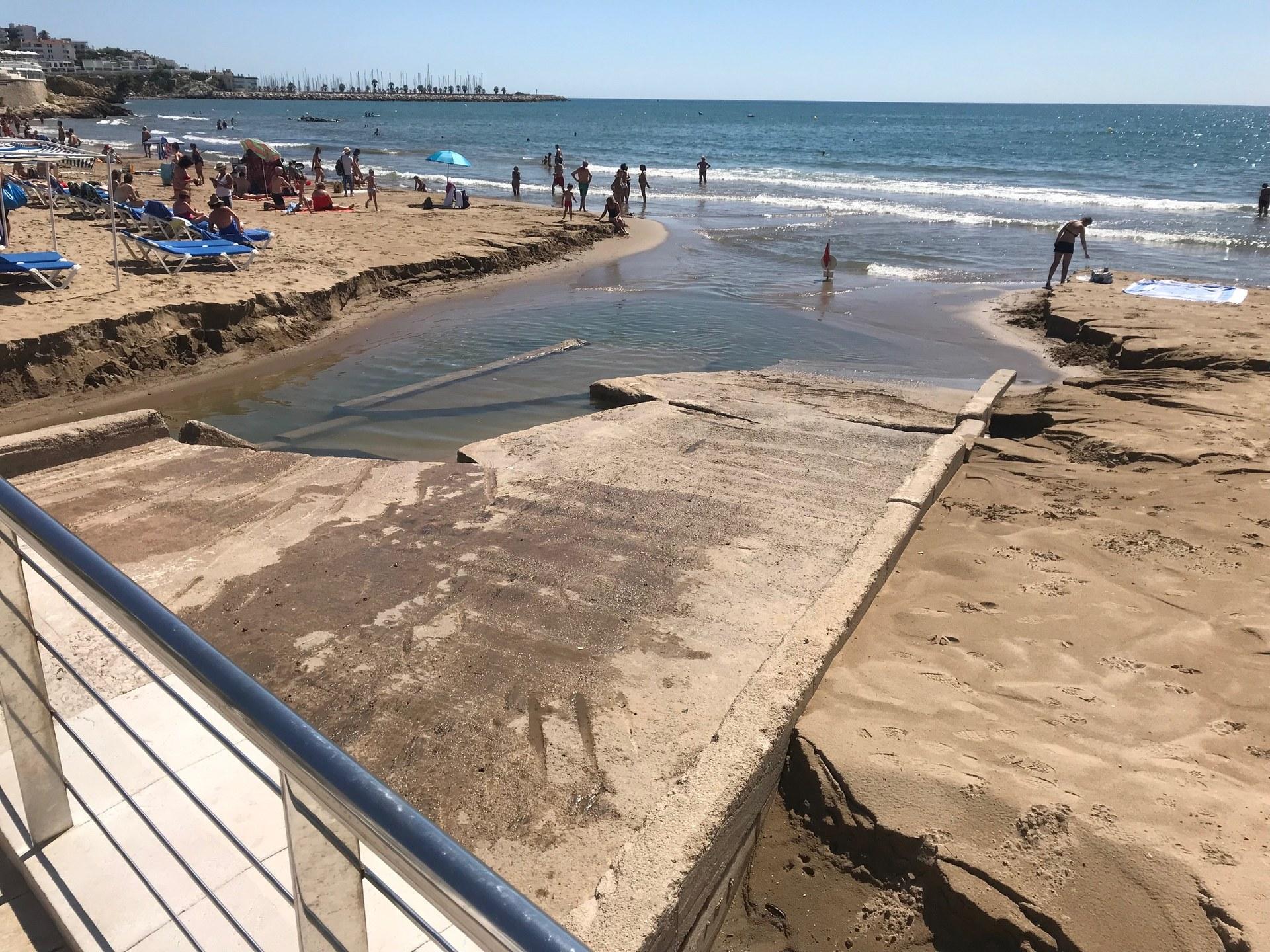 Actuacions de millora a la desembocadura de les rieres de la Bassa Rodona i Sant Sebastià a la platja
