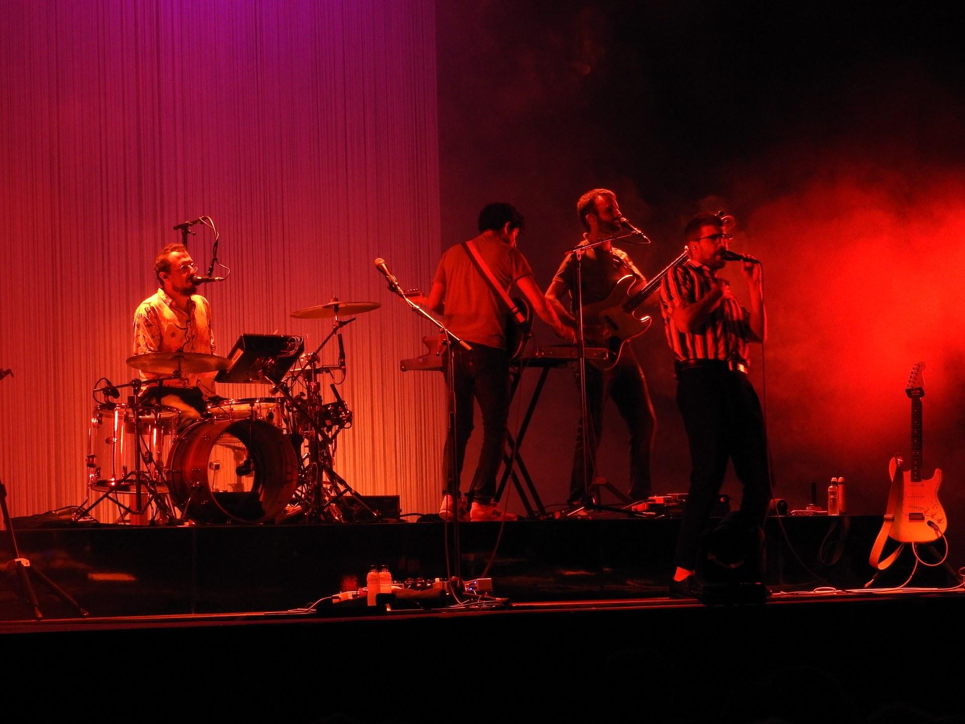 Arrenca el Festival Jardins Terramar amb el concert de Manel
