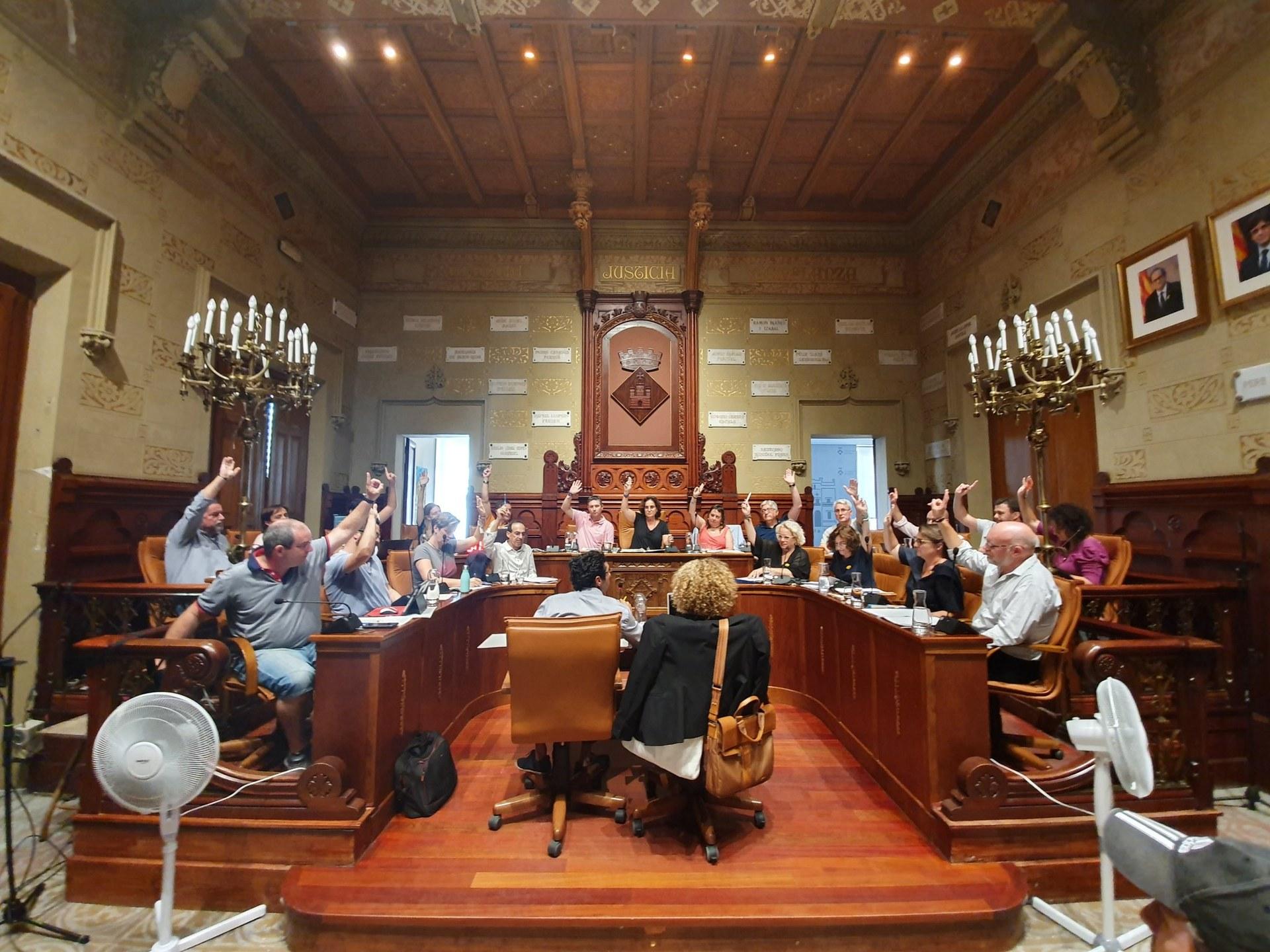 El ple ha aprovat la proposta amb 20 vots a favor i un vot en contra de Comuns en Verds de Sitges-Compromís