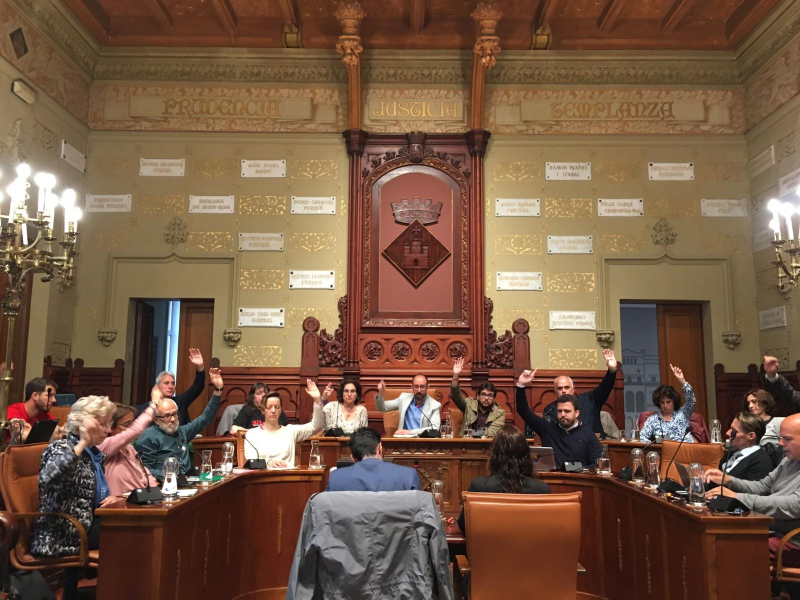 El ple ha aprovat per unanimitat la modificació del Pla General per elevar un nivell l'edifici del Parc de Bombers de Sitges