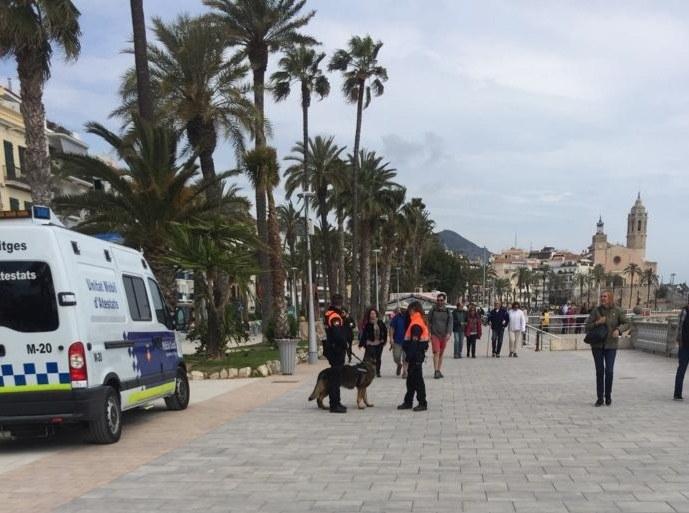 L'Ajuntament de Sitges reactiva l'operatiu de la Policia Local de Sitges amb suport d'agents de seguretat privada per minimitzar el 'top manta'