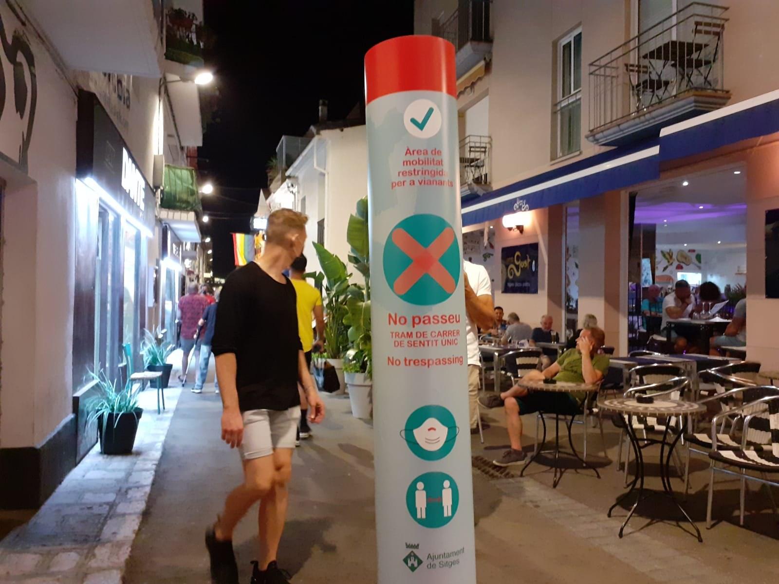 L'Ajuntament i l'oci nocturn estudien noves mesures per abordar l'aglomeració de persones al carrer de forma conjunta