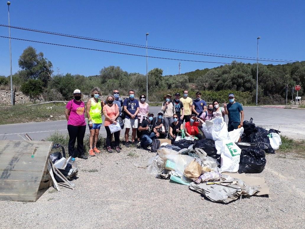 La campanya de neteja 'Let's clean up Europe' recull 213 quilos de brossa a Sitges