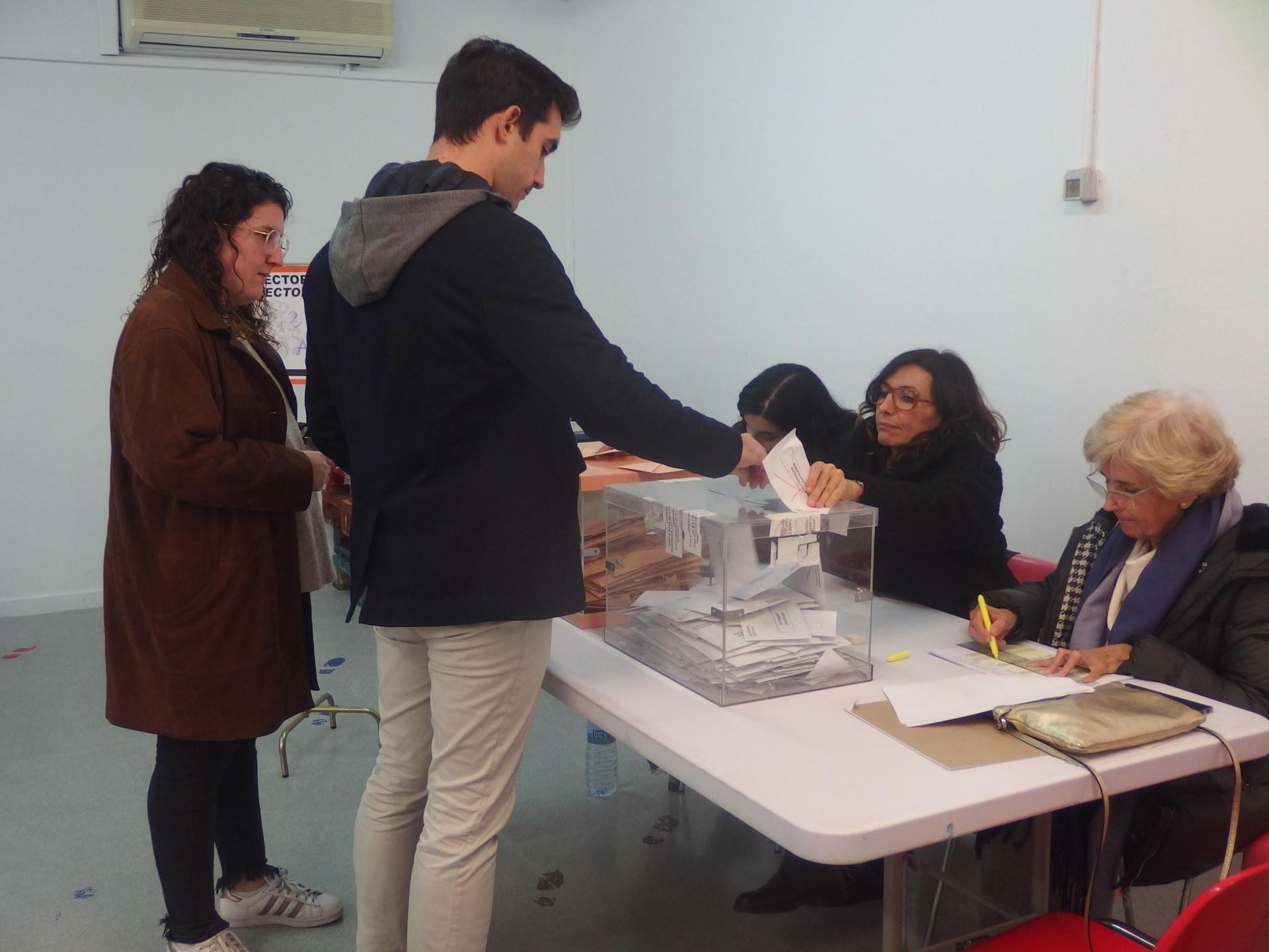 La participació dels electors a Sitges a les sis de la tarda ha estat del 58'82 %