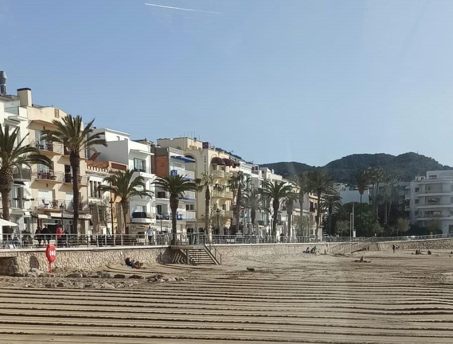 Estat de la platja de Sant Sebastià, després dels treballs realitzats aquest matí