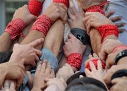 Actuació castellera Colla Jove de Castellers de Sitges