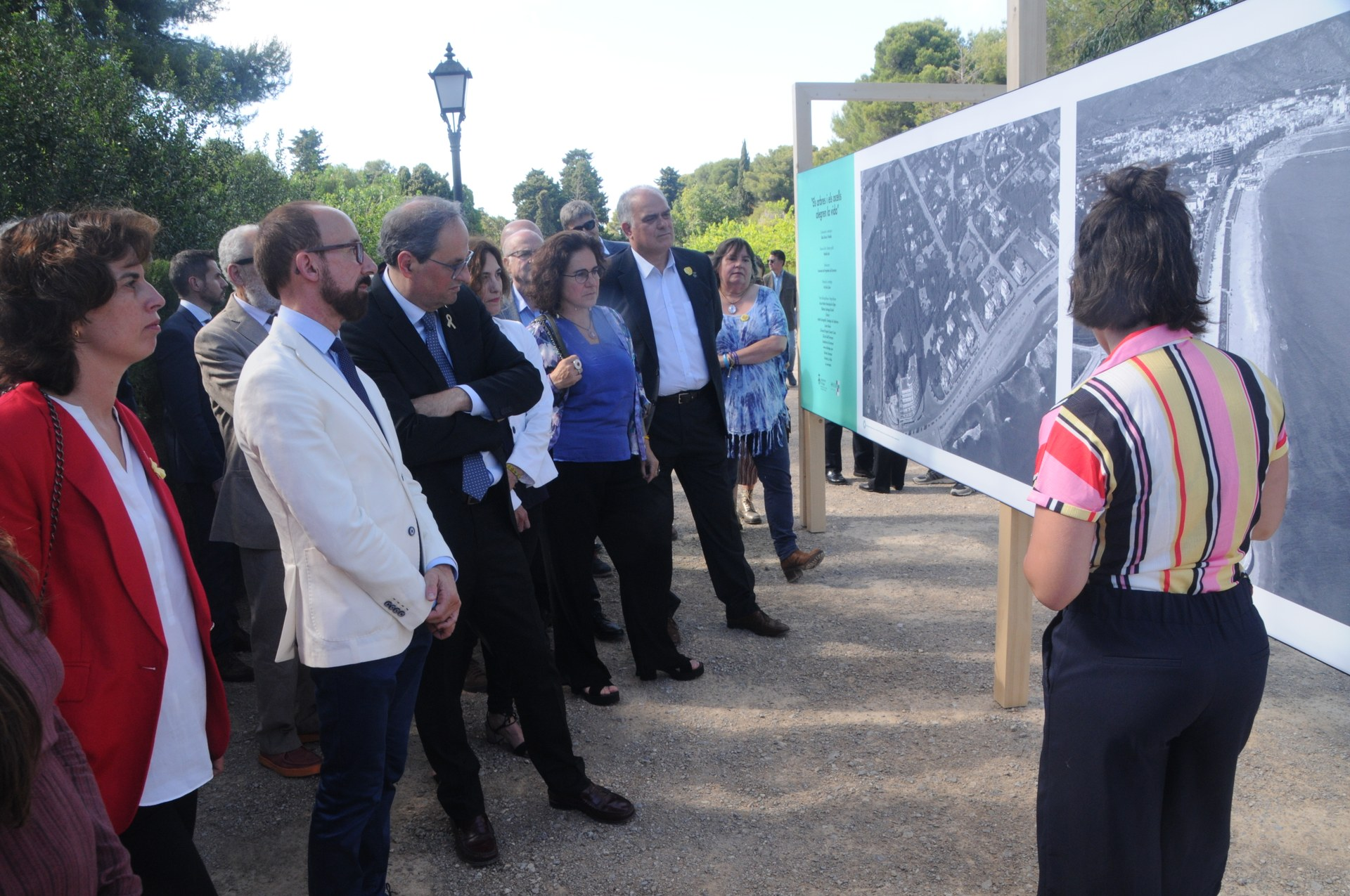 El President Quim Torra inaugura l'exposició 'Els arbres i els ocells alegren la vida', als Jardins de Terramar
