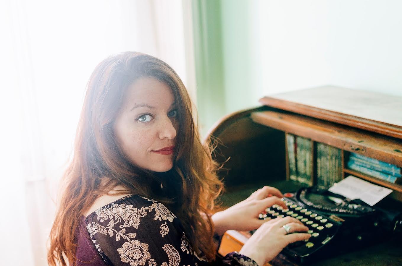 La periodista, publicista i professora, Lídia Gázquez, haestat distingida ambla XLVII Ploma d'Or. Fotografia de Clàudia Sauret