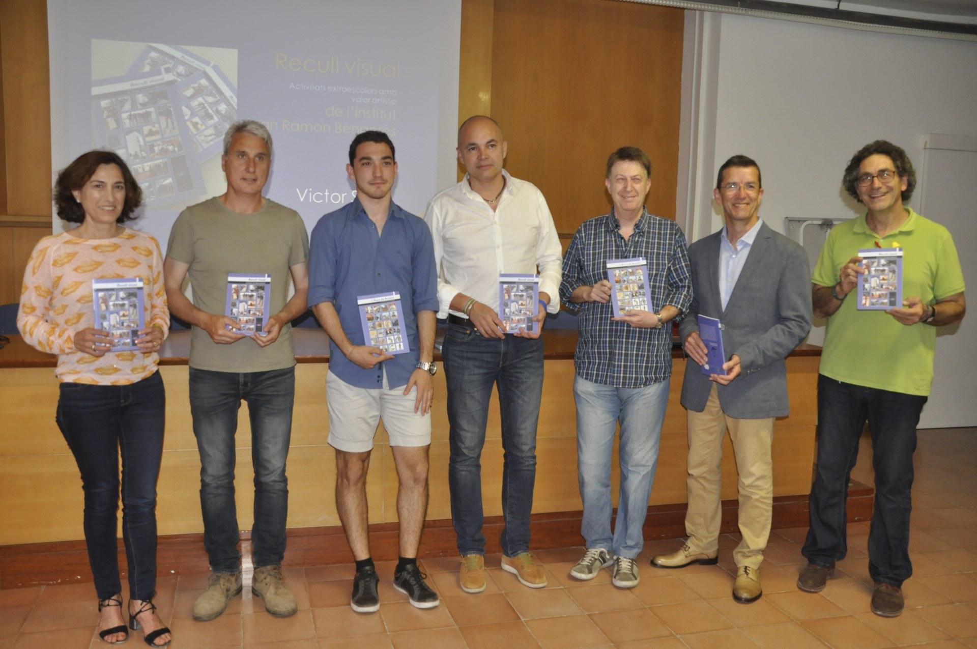 L'institut Joan Ramon Benaprès presenta el llibre 'Recull visual'