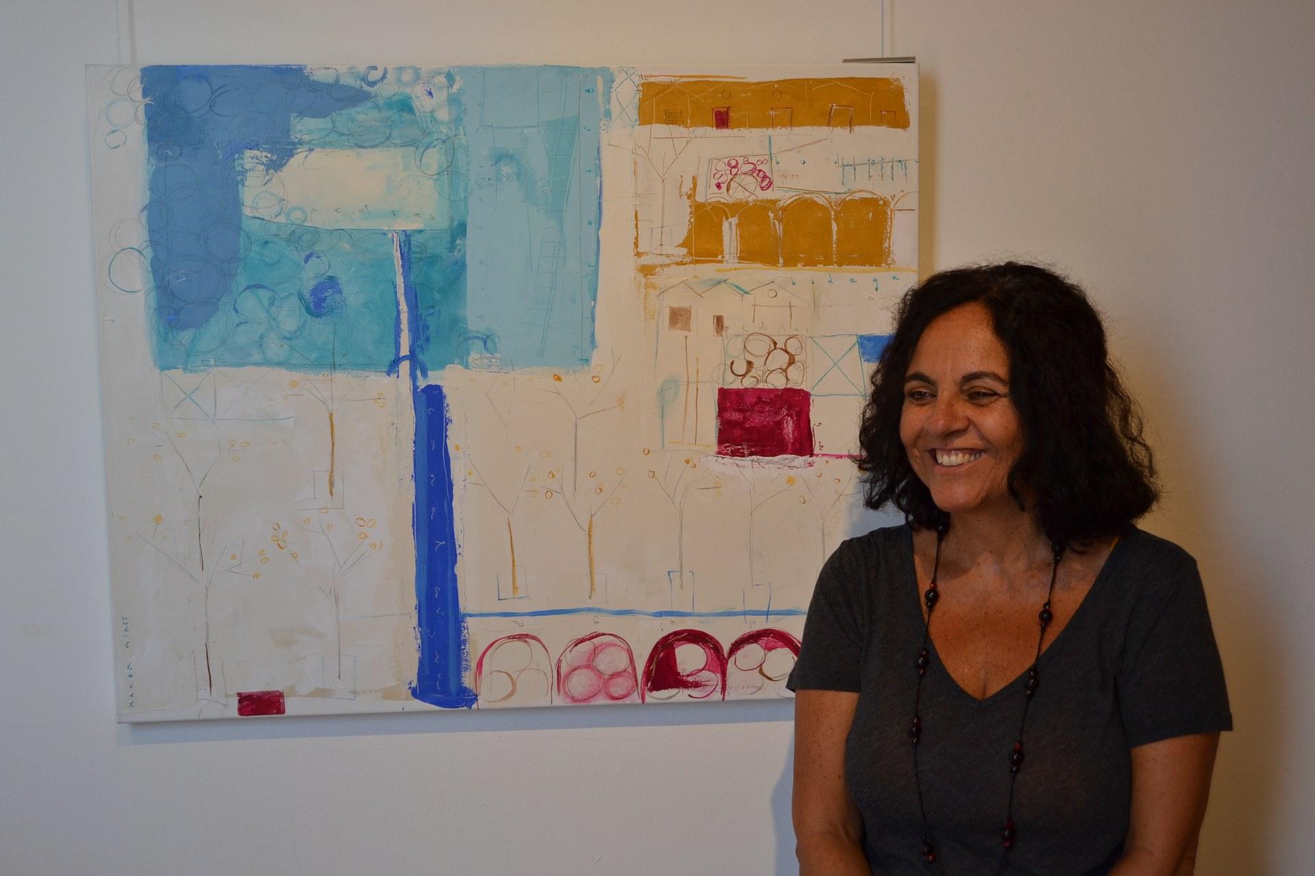 La pintora Marga Miret plasma el seu llenguatge plàstic en una mostra al Centre Cultural Miramar