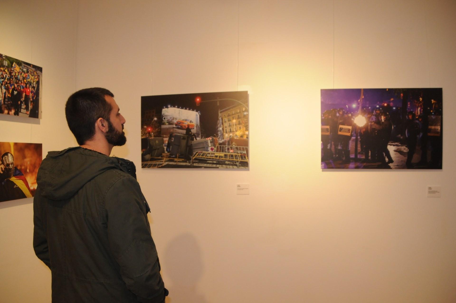 El fotoperiodista Jordi Borràs exhibeix la mostra 'El dia que vam dir prou' al Centre Cultural Miramar