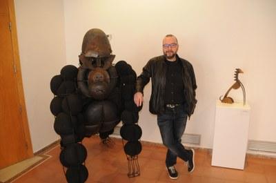 Miquel Aparici i goril·la al Centre Cultural Miramar