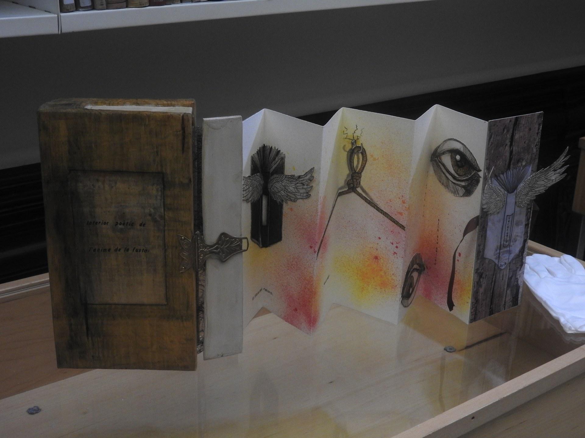 Llibres d'Artista: obres d'art a la Biblioteca Santiago