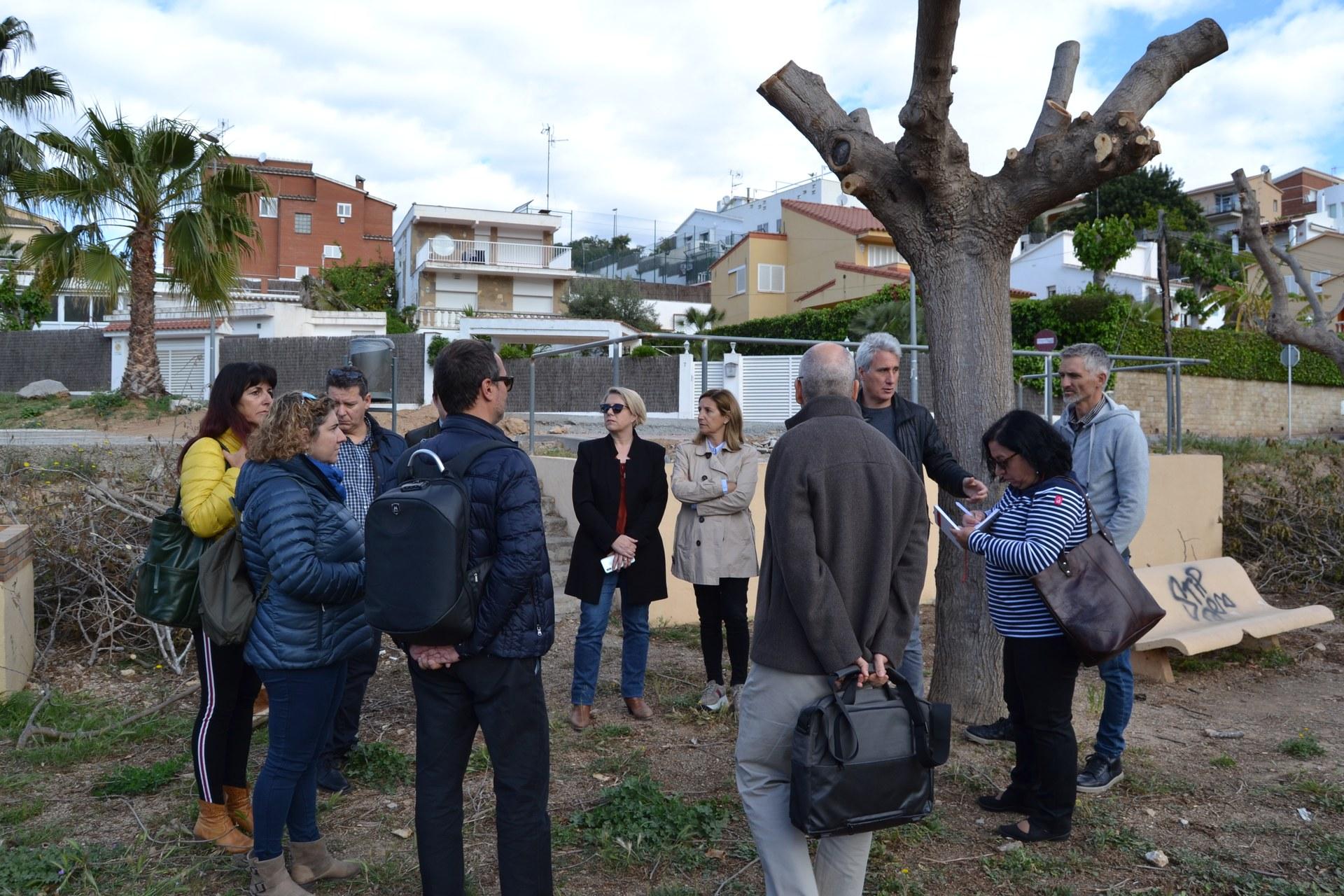 Tècnics de l'Ajuntament i de la Generalitat signen l'acta de replanteig