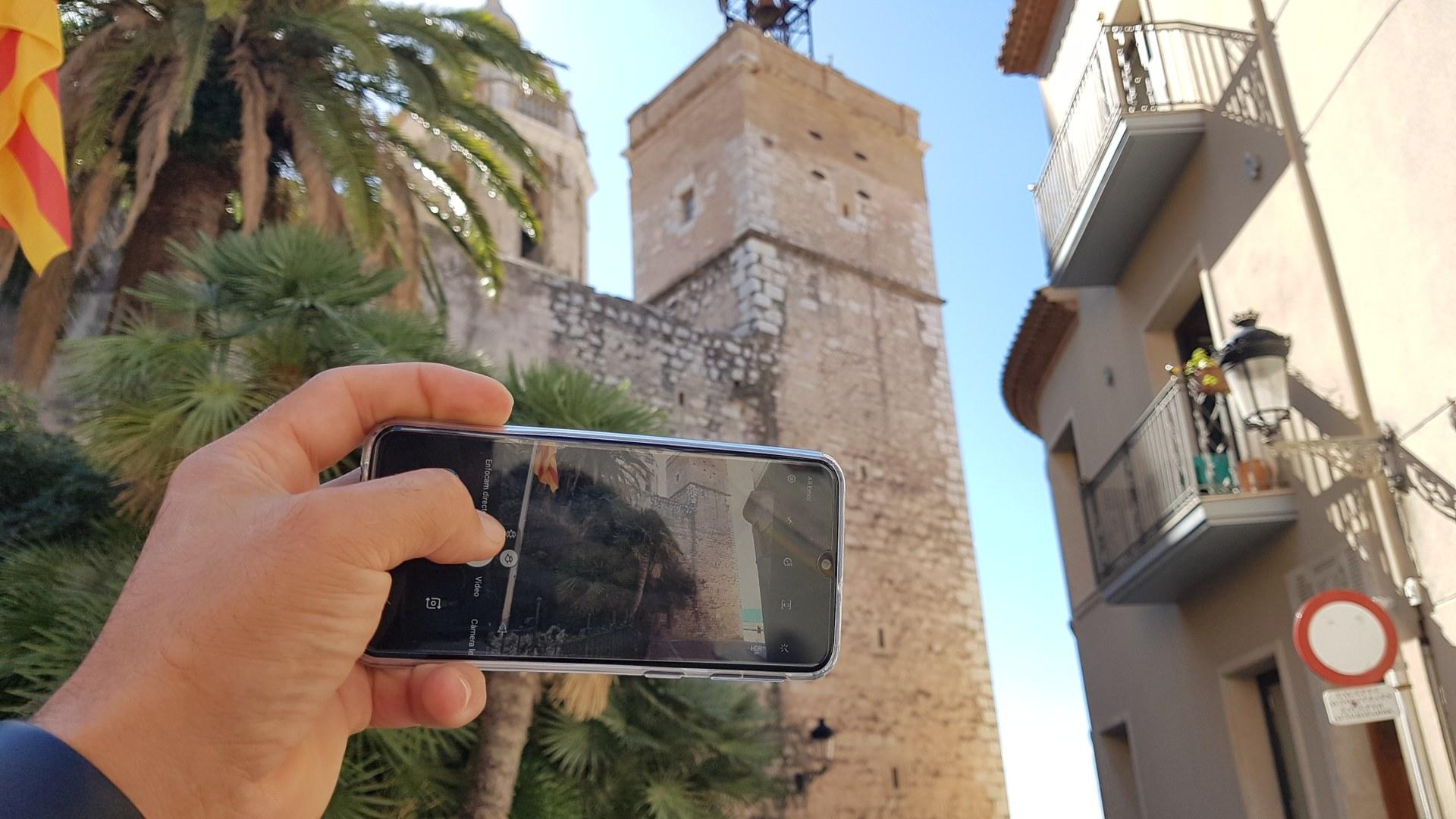 El taller de fotografia amb el telèfon mòbil tornarà a realitzar-se aquest curs.