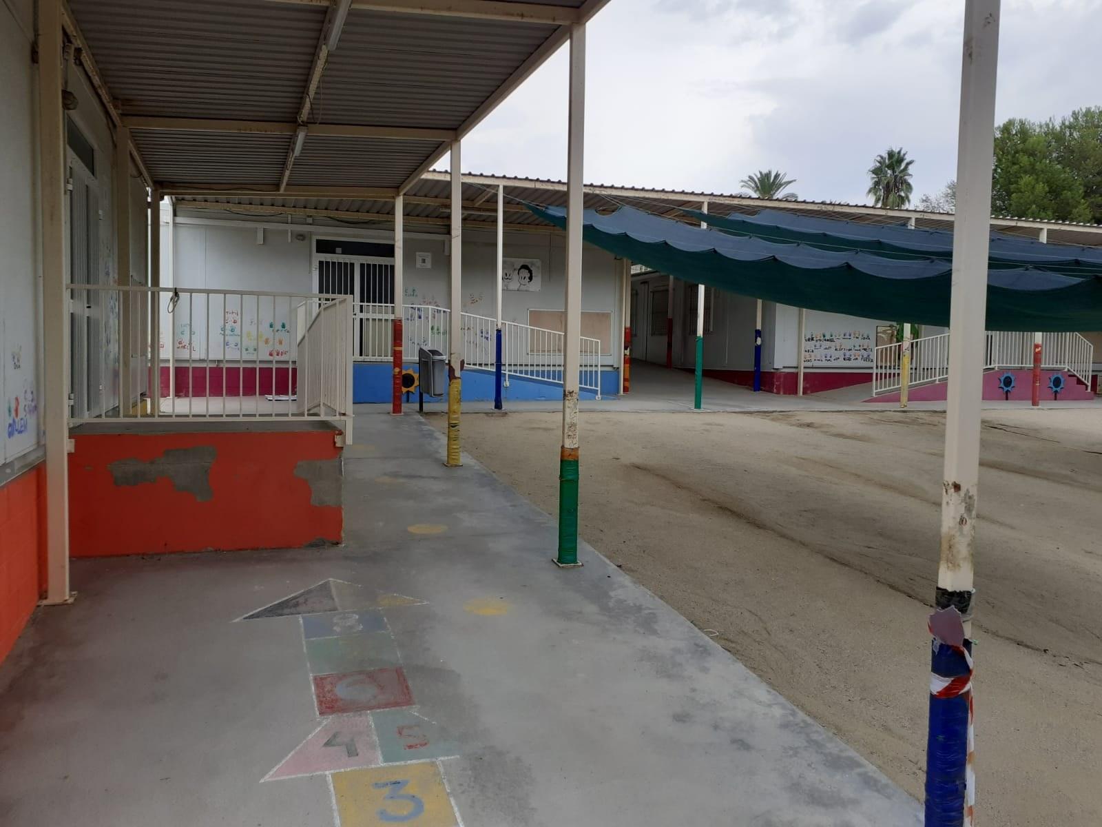 La Generalitat comença el desmuntatge de l'equipament interior dels mòduls prefabricats de l'escola Agnès de Sitges