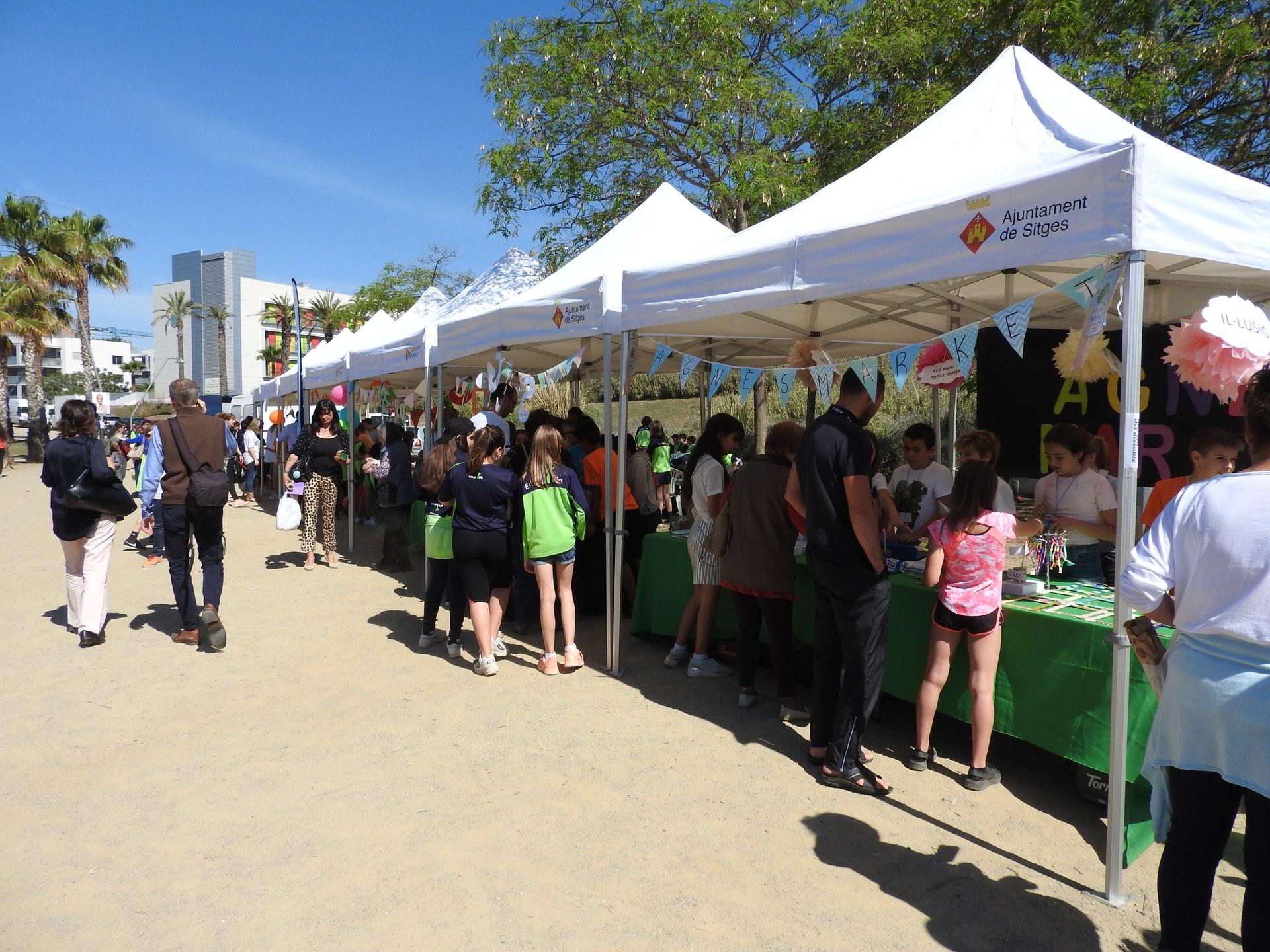Prop de 230 alumnes de Sitges mostren els resultats del projecte 'Cultura Emprenedora a l'Escola'
