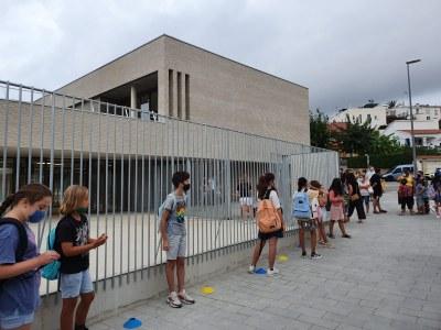 Escola Agnès de Sitges-entrada inici curs escolar.jpeg