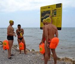 Primera trobada per nedar en grup a la Via Brava d'Aiguadolç