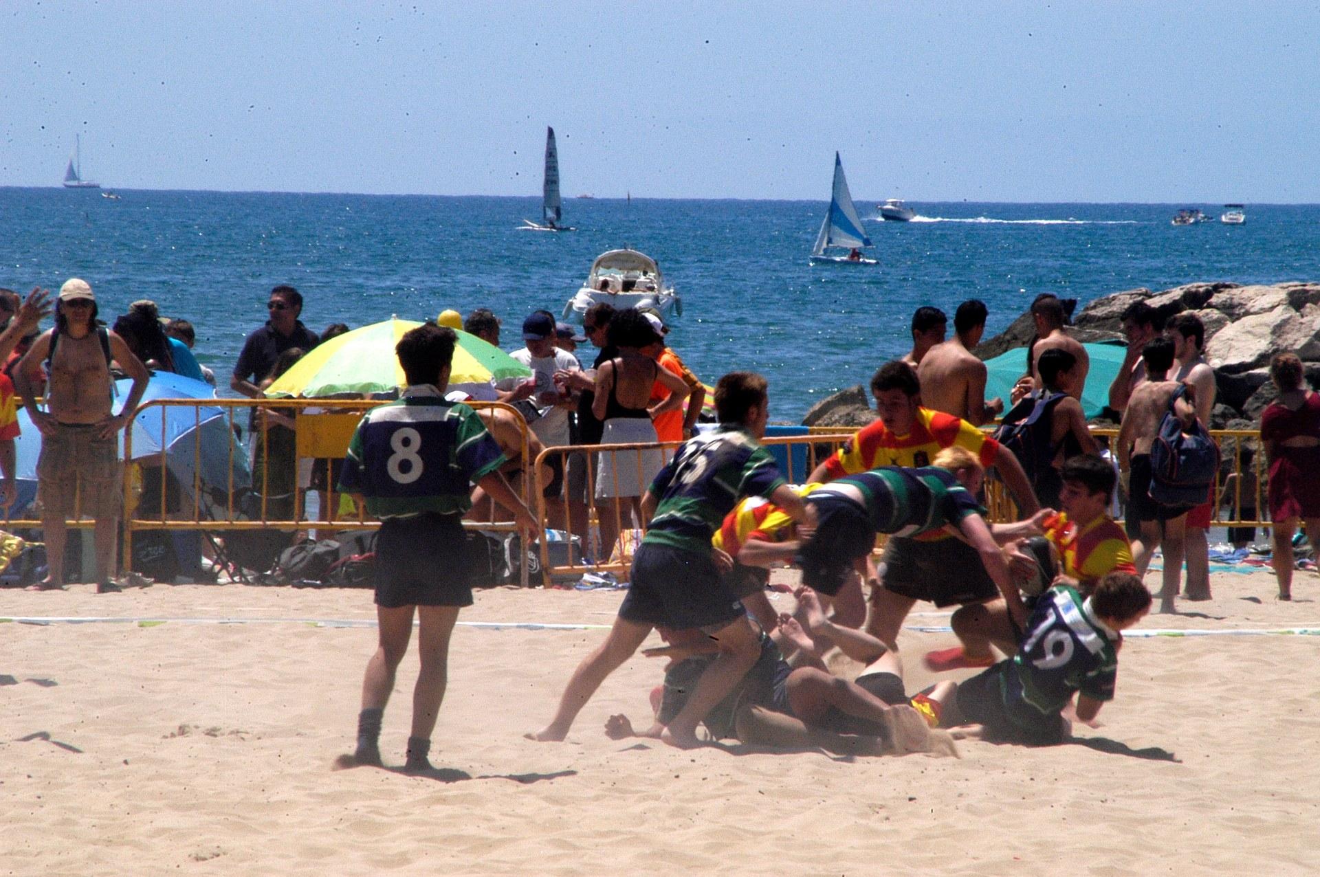 La platja de la Fragata acull el torneig 'Rugby Seven'