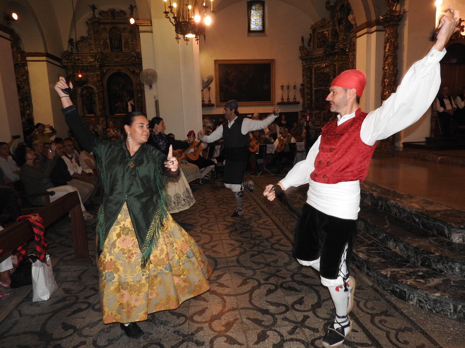 La comunitat aragonesa de Sitges celebra la festa del Pilar