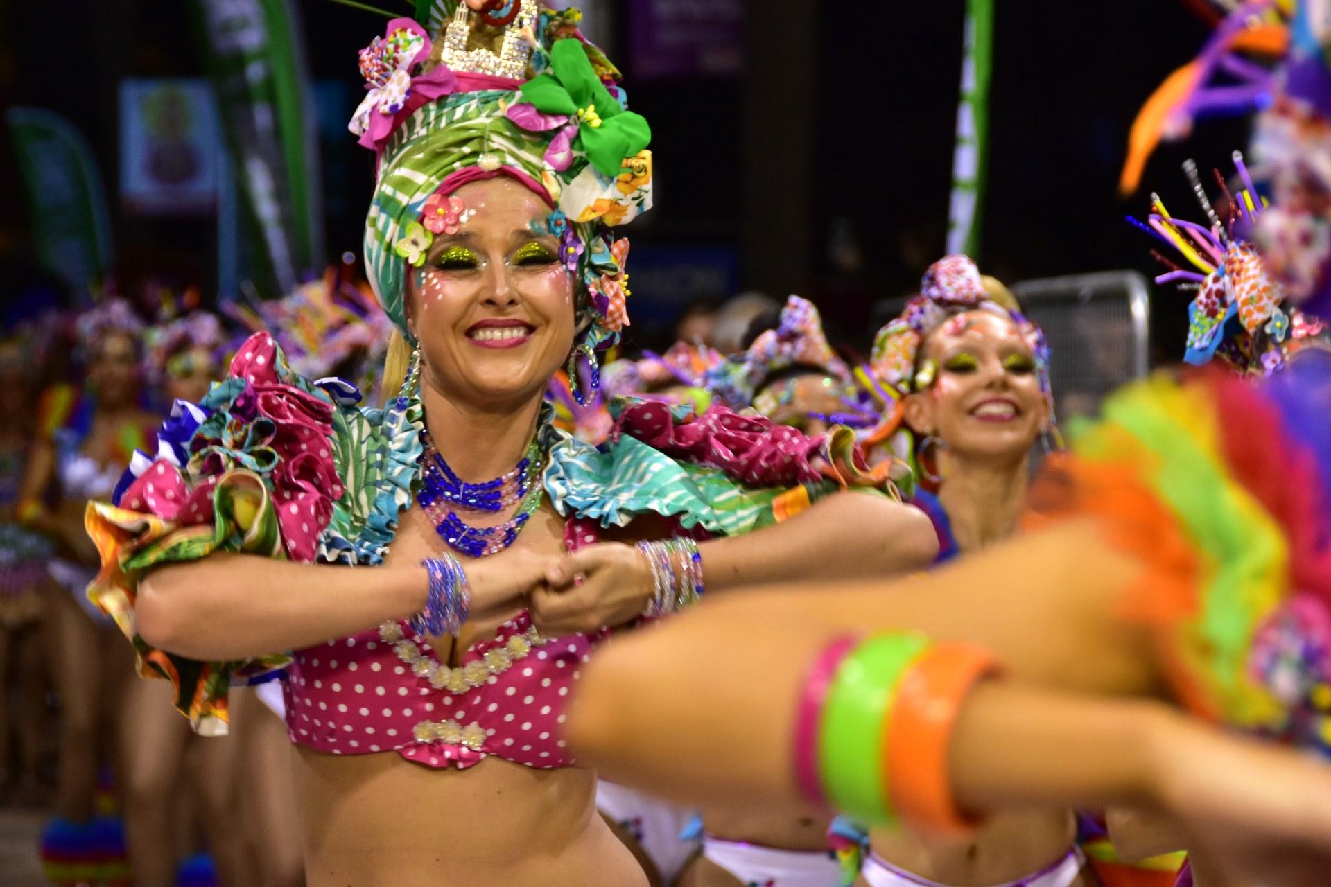 Imatge de la Reina del Carnaval 2019 a la Rua de la Disabuxa