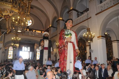 Gegants Moros ofrena a Santa Tecla