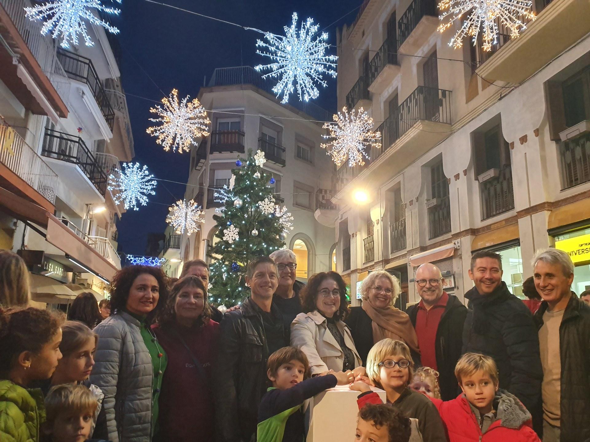 Amb l'acte d'encesa dels llums de Nadal Sitges ha donat el tret de sortida a la programació d'activitats per a aquestes Festes