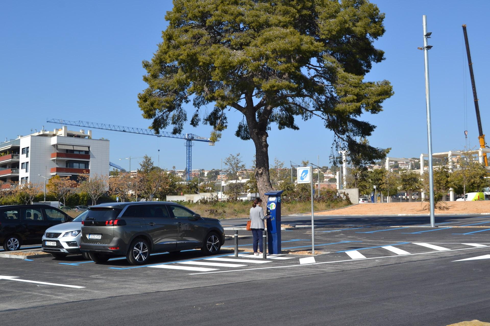 L'aparcament de Can Robert és gratuït, de dilluns a divendres, per als usuaris amb distintiu de resident
