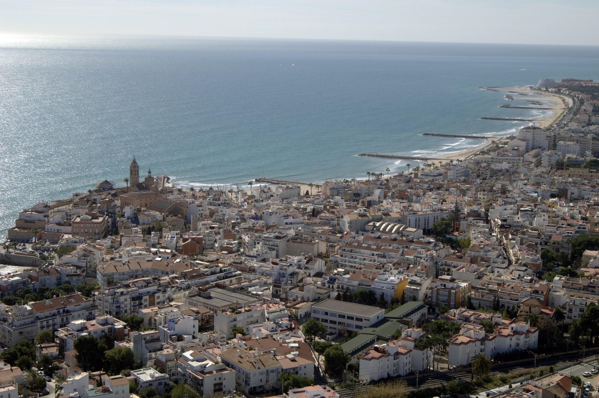 El Pacte Local per a la recuperació socioeconòmica de Sitges se centra en l'anàlisi de les propostes recollides