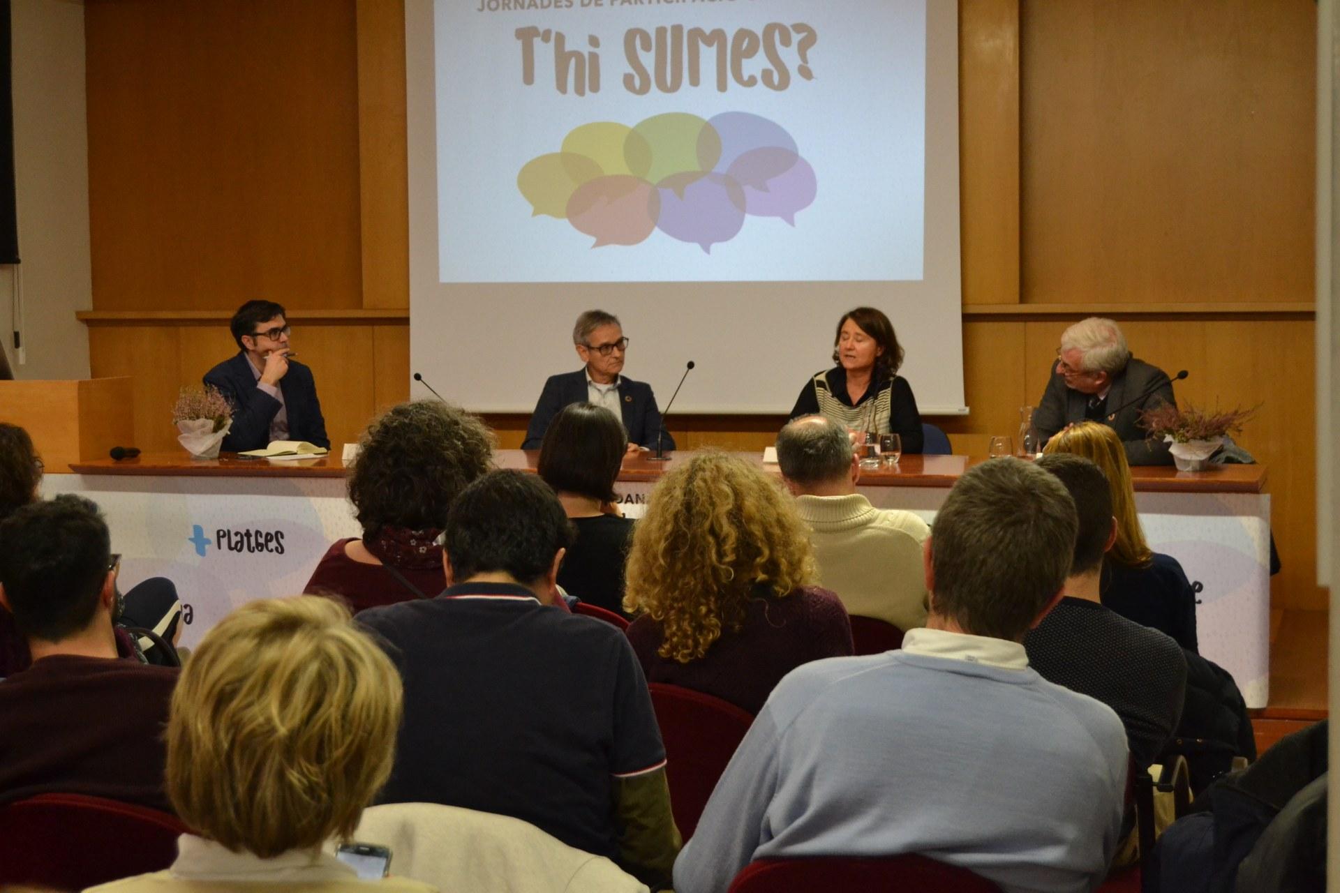 Sitges debat sobre el futur de la vila com a destinació turística