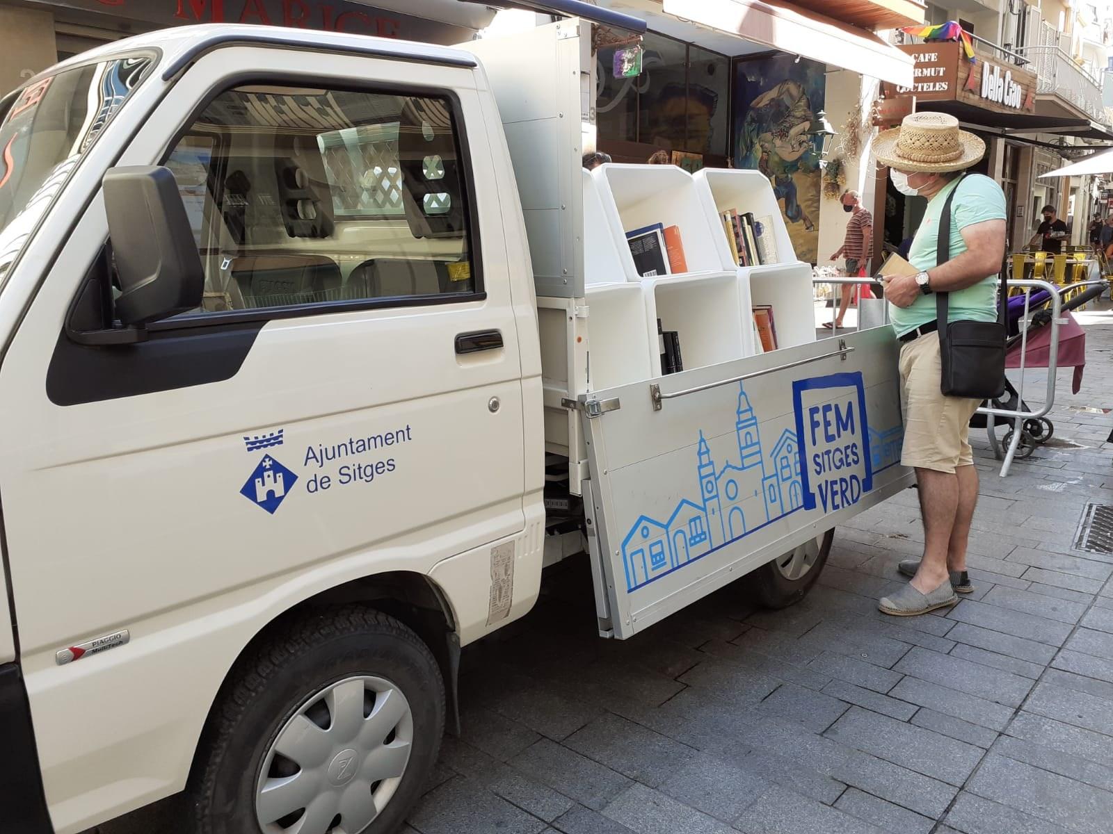 La Book Truck torna al Cap de la Vila el dimarts 27 de juliol de 10 a 14 h