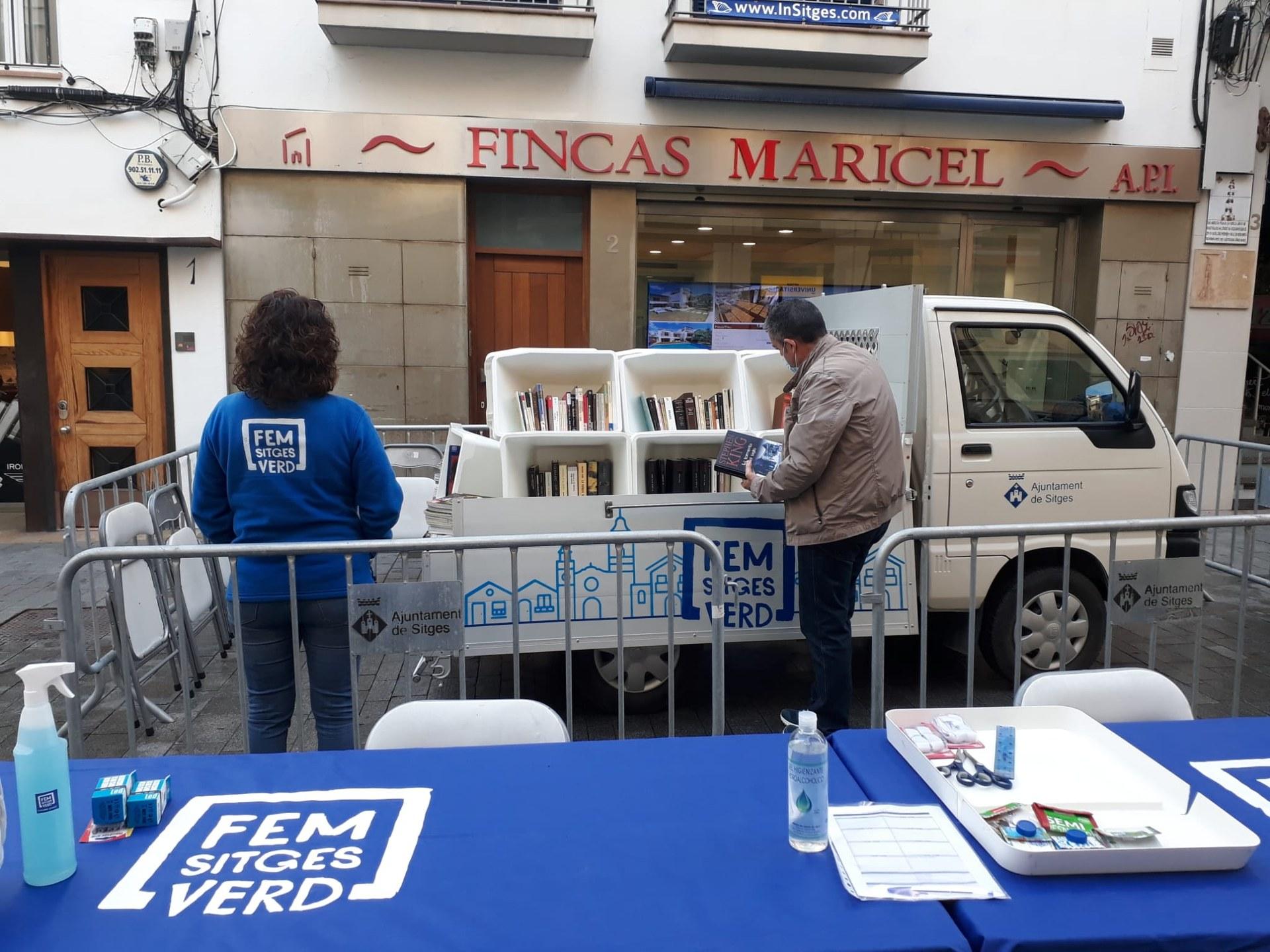 Torna la Book Truck al Cap de la Vila,  el dimarts 20 d'abril de 10 a 14h