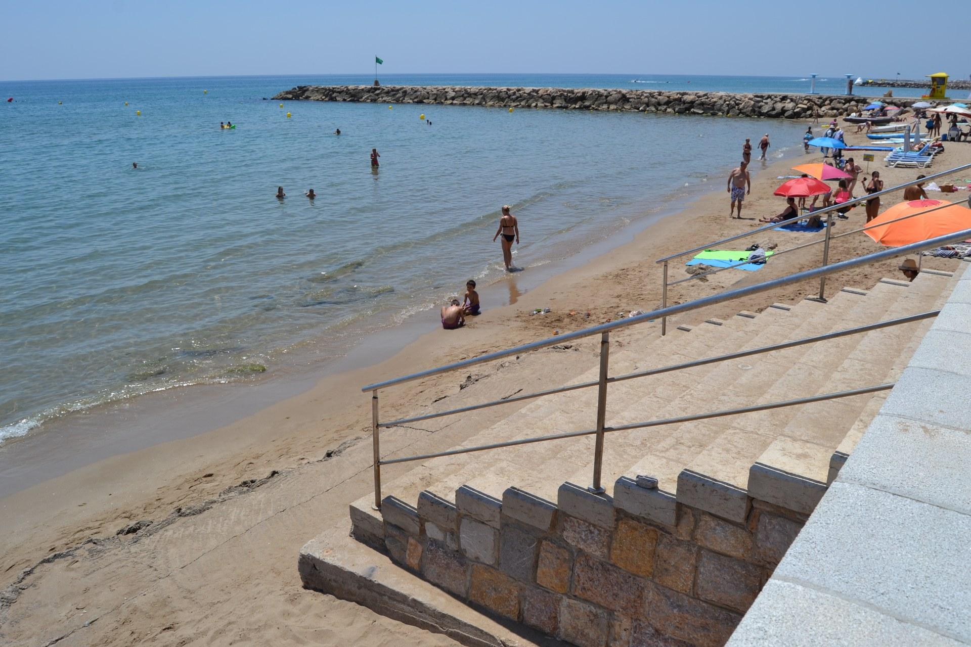 La platja de la Bassa Rodona rebrà una aportació de sorra extraordinària