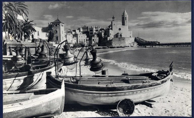 esglesia i barques.JPG